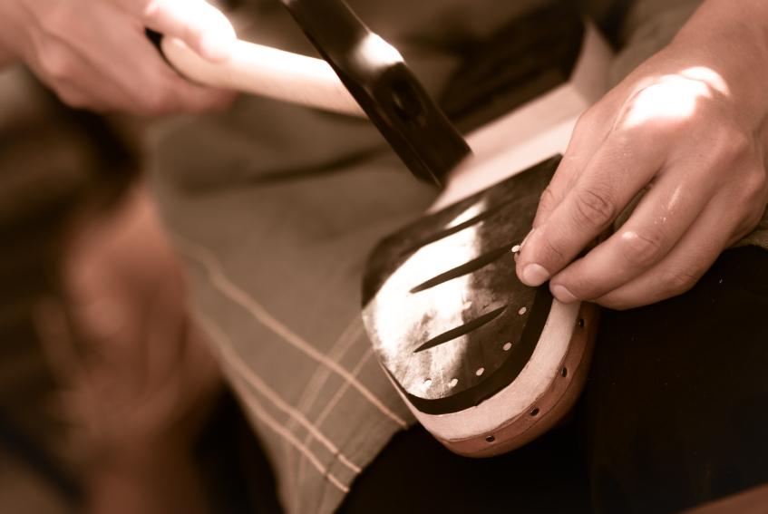 Riparazione Scarpe: Perché farle riparare, e quanto costa?
